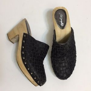 Free People Black leather Studded Clogs